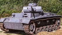 How to Paint Tiger Tanks | Tank Chats Special | The Tank Museum