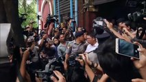 WATCH: Journalists Wa Lone and Kyaw Soe Oo leave court after being sentenced to 7 years' jail for breaching Myanmar's state secrets law.(Video: Reuters)