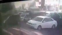 #ليبيا_الآن | #فيديو | تداول ناشطون مقطعًا مصورًا التقطته إحدى كاميرات المراقبة في منطقة غوط الشعال في العاصمة #طرابلس، يُظهر عملية سرقة إحدة سيارات الشرطة من ا