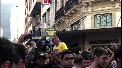 Candidato a presidente Bolsonaro sofre atentado em MG