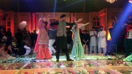 Maya Ali  dance in a wedding