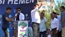 2013 yılındaki Nevruz etkinliklerinde yaptıkları konuşma nedeniyle 'Terör örgütü propagandası' suçundan yargılanan HDP eski Eş Genel Başkanı Selahattin Demirtaş, silahlı terör örgütü propagandası yapmak suçundan 4 yıl 8 ay, HDP eski millet