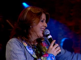Roberta Miranda - A Mulher Em Mim (The Woman In Me Needs The Man In You)