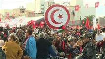 إضراب موظفي القطاع العام يشل المؤسسات الحكومية بتونس