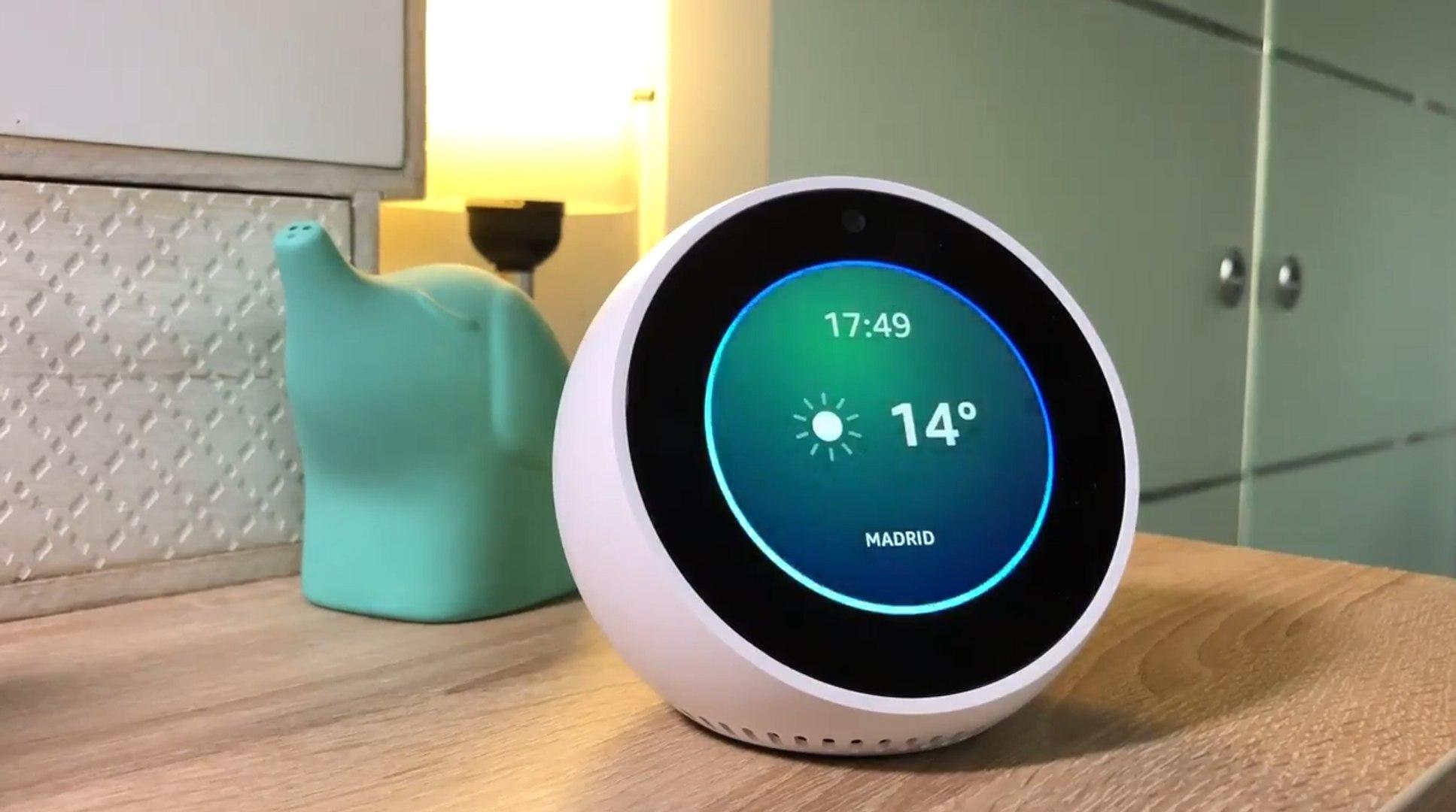 Así es el Amazon Echo Spot, el altavoz inteligente más barato de Amazon