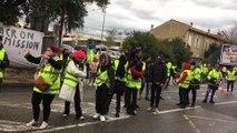 Carpentras : les gilets jaunes bloquent toujours le centre commercial Leclerc