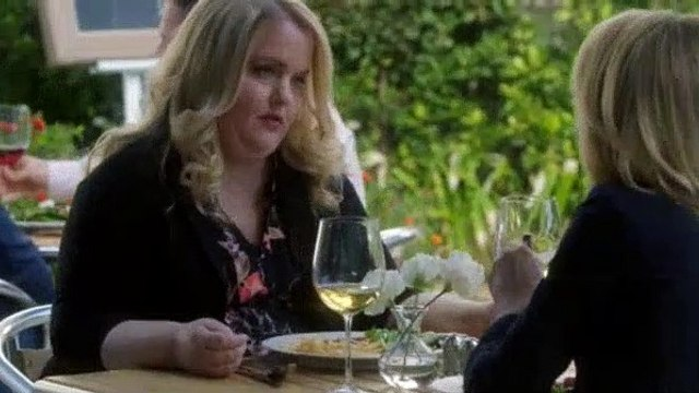 Modern Family S09E13 In Your Head