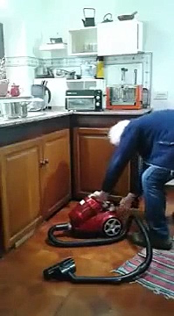 Old Man Trying To Start A Vacuum Cleaner The Wrong Way Video Dailymotion