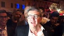 """Comment Emmanuel Macron et Jean-Luc Mélenchon ont totalement mis en scène leur pseudo """"rencontre surprise"""" à Marseille"""