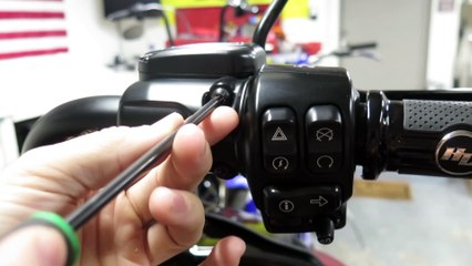 Adjusting Your Control Levers On The Harley-Davidson Road Glide Special
