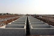 Diyarbakır'da, Defnedilmeye Hazır İki Katlı Mezarlık