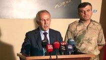 Hatay Valisi Erdal Ata: ' Terör örgütü üyesi 9 terörist, İçişleri Bakanlığı, Hatay valiliği ve adli makamlarca yargılanmak üzere Suriye'nin Afrin kentinde başarılı bir operasyonla yakalanarak Hatay iline getirilmiştir'