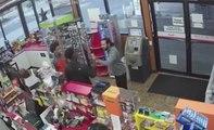 Deux jeunes dévalisent la caisse d'une station service plutôt qu'aider le vendeur victime d'une crise cardiaque