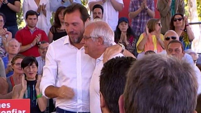 """Casado asegura que el PP no intenta """"abatir"""" a Sánchez con su tesis."""