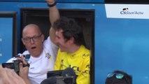 Tour de France 2018 - Le clapping de Geraint Thomas avec ses fans à Paris sur les Champs-Elysées