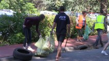 world clean up day : ramassage des dechets abandonnés à StEtienne