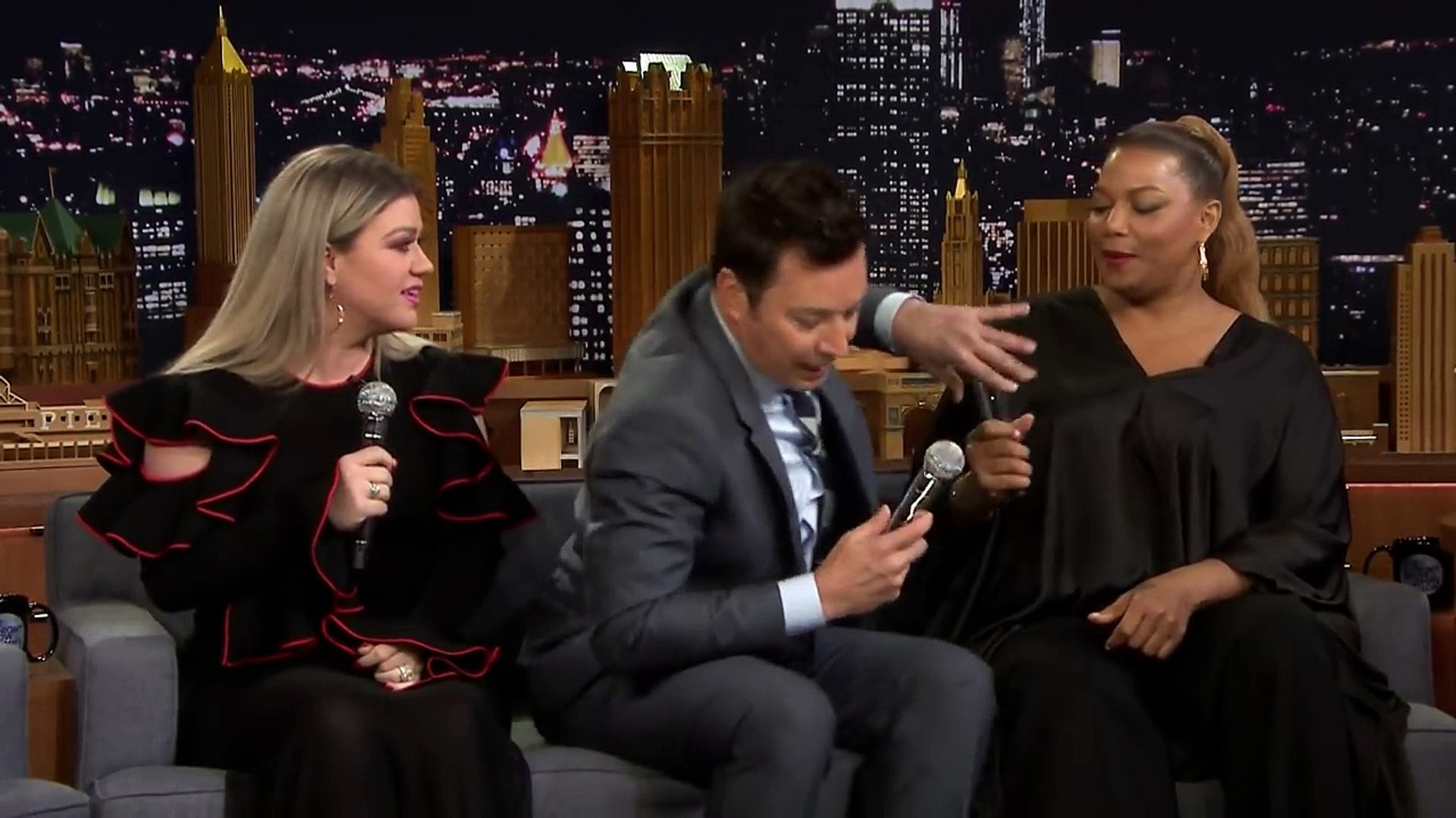 Alle Filme Mit Queen Latifah jimmy, kelly clarkson and queen latifah create a doo-wop song on an ipad