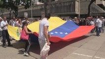 Cientos de trabajadores denuncian desmejoras laborales en Caracas