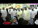حاكم الشارقة يتفقد جناح مؤسسة الشارقة للإعلام في مهرجان الشارقة القرائي للطفل