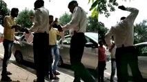 मोबाइल तोड़ने वाले ट्रैफिक पुलिस के ASI का वीडियो वायरल