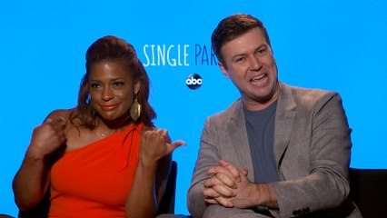 """""""Single Parents"""" Stars Prove They Are a Close-Knit Crew"""