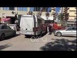 Ora News - Tre persona me maska e të armatosur grabisin furgonin në Vlorë