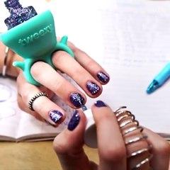 Tweexy - El soporte portátil original para laca y esmalte de uñas del futuro by rolloid