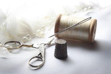 3 objets de couture vintage