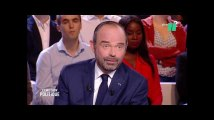 Édouard Philippe conseille aux Barcelonais de voter pour Manuel Valls
