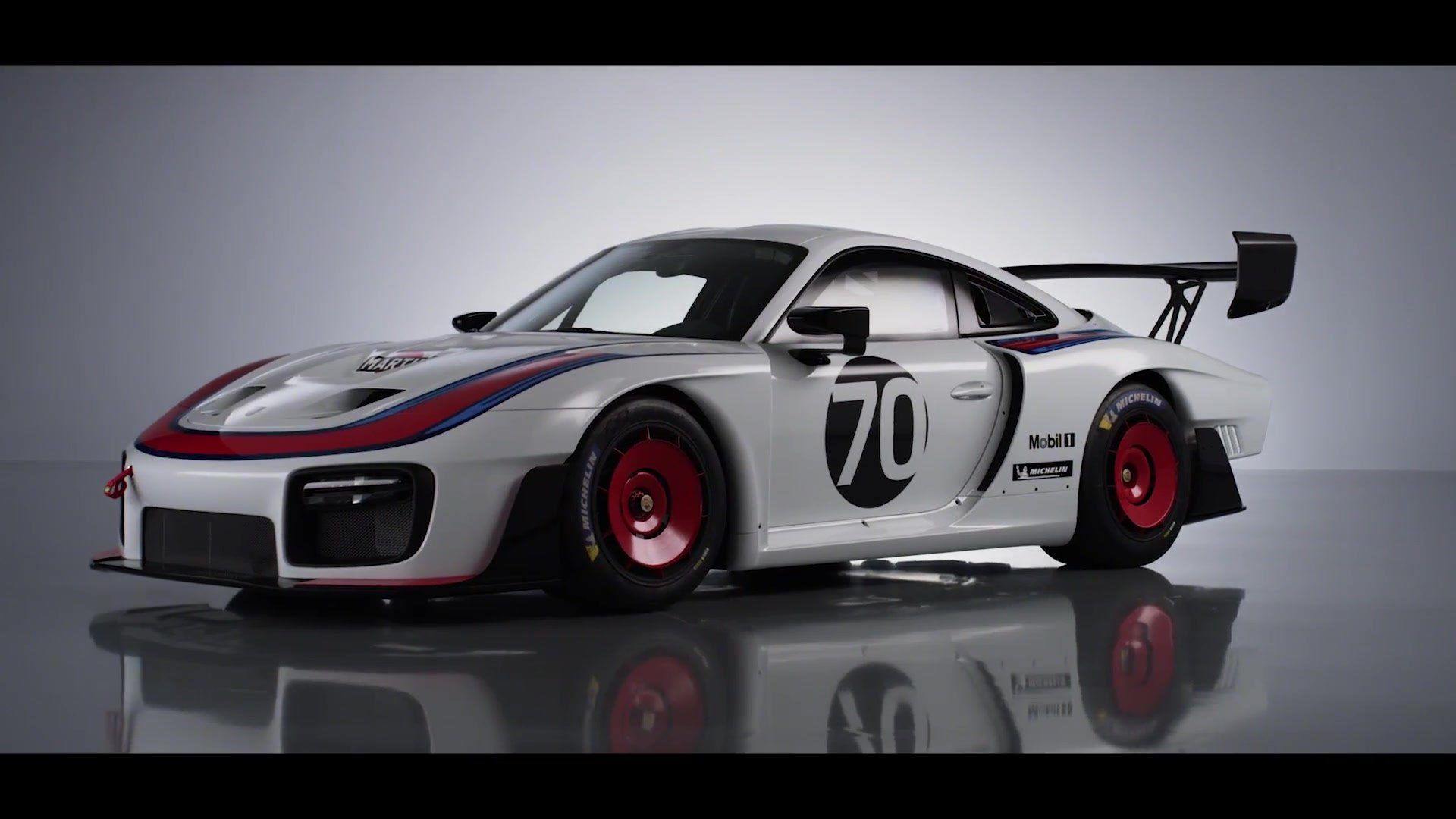 World premiere Exclusive new edition of the Porsche 935