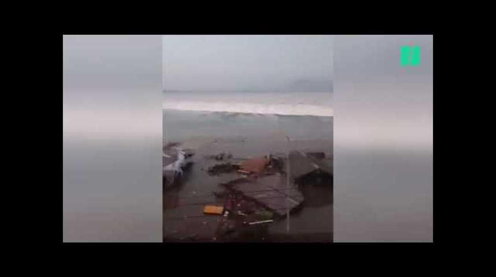 Les images du tsunami en Indonésie, qui a ravagé les côtes des Célèbes