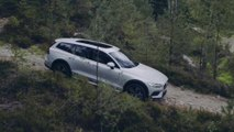 New Volvo V60 Cross Country Offroad driving