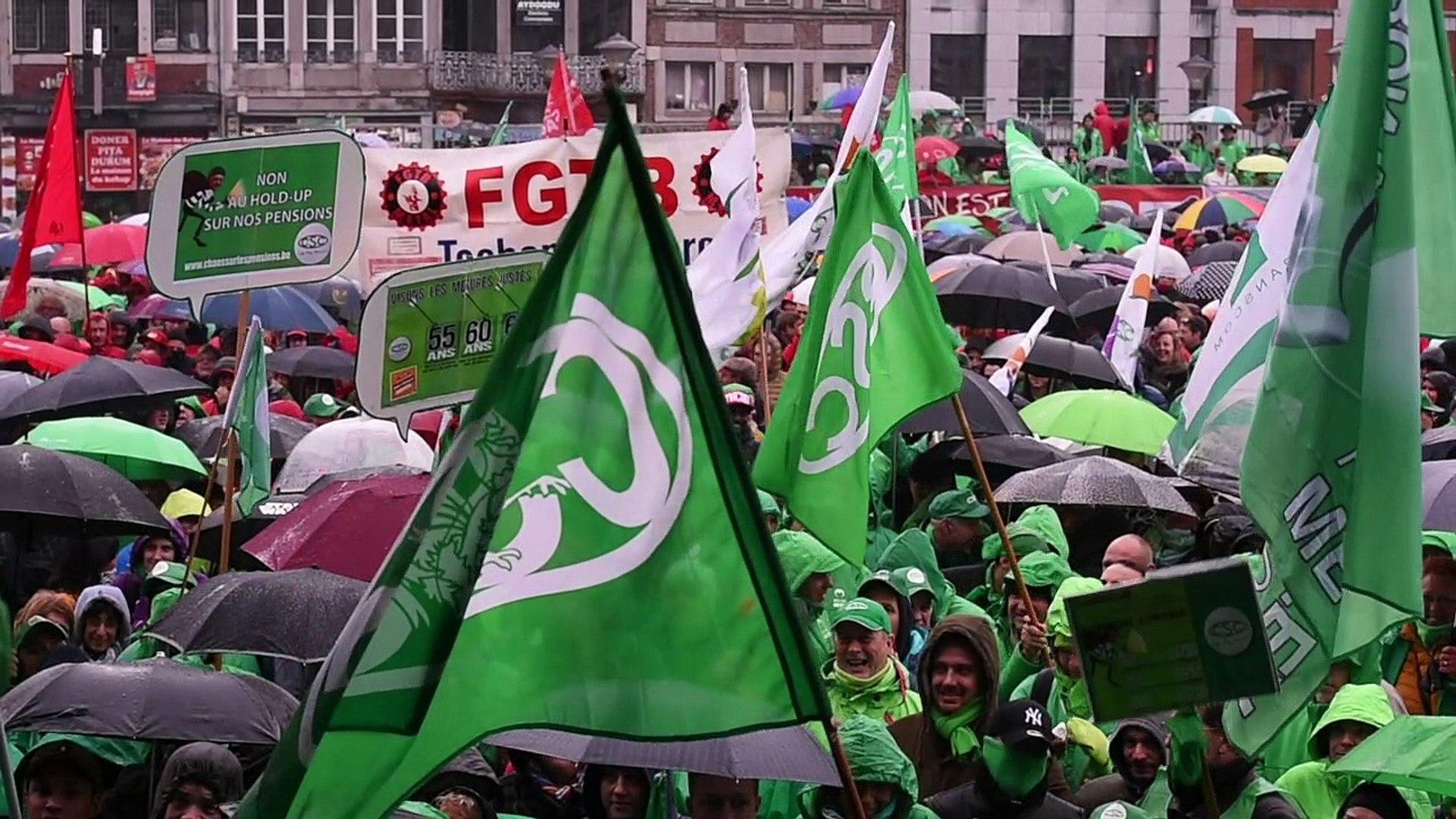 Liège manifestation en front commun sur l'espace Tivoli