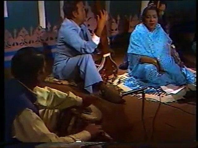 Roshan Ara Begum - old interview 1 of 2 - Program Mulaqat - by Khalil Ahmad & M Iqbal - PTV Classic