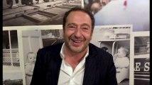 Patrick Timsit évoque avec tendresse ses souvenirs de Charles Aznavour