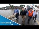 Peña Nieto recorre zonas afectadas de la Costa Grande de Guerrero; promete prot