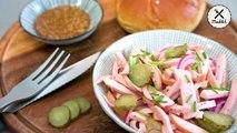 Eine der wenigen Sachen, die wir aus der Grill- und Sommerzeit mitnehmen, ist dieser unglaublich leckere Wurstsalat! ZUM REZEPT