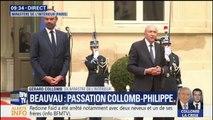 """Gérard Collomb dit quitter """"avec regret"""" le ministère de l'Intérieur, lors de sa passation de pouvoir avec Édouard Philippe"""