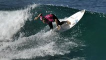 Adrénaline - Surf : Johanne Defay brille lors du premier jour du Roxy Pro France 2018