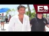 Eugenio Derbez filma video como nueva imagen de Acapulco/ Joanna Vegabiestro