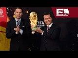 Peña Nieto recibe la Copa Mundial / Andrea Newman