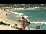 Fuerte afluencia turística en playas mexicanas por puente vacacional