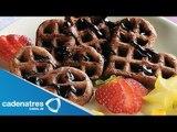 Receta para preparar waffles de chocolate. Receta de waffles / Postres fáciles y rápidos