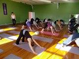 Clase de vinyasa yoga /  Vinyasa yoga