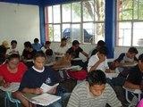 Realizan jóvenes examen de ingreso al bachillerato / examen del Comipems
