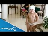 Bebé mueve las caderas mejor que Shakira   Mini Shakira mueve las caderas  Mini shakira hips move