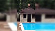 Le gros raté d'un homme qui plonge dans une piscine depuis le toit d'une maison !