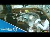 Mujeres musulmanas orquestan robo a joyería con ayuda de una menor