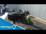 Camioneta vuela y cae 7 metros en segundo piso del Periférico; hay un lesionado