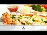 Pizza de espárragos, espinacas y huevos fritos